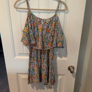 Flying Tomato cold shoulder tunic dress size small